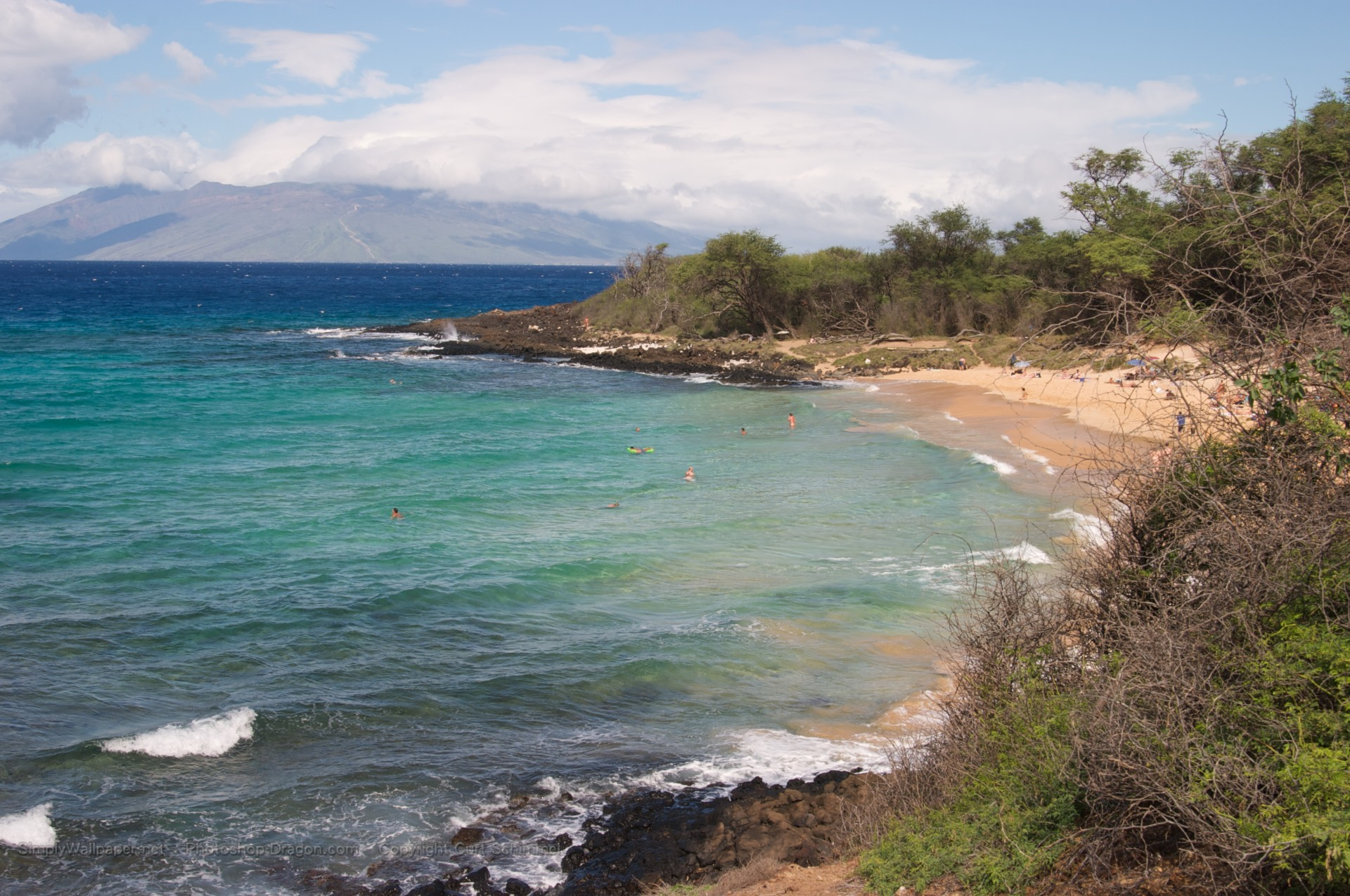 little beach on maui desktop wallpaper