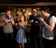 cast of Harry Potter drink butter beer in Hogshead pub