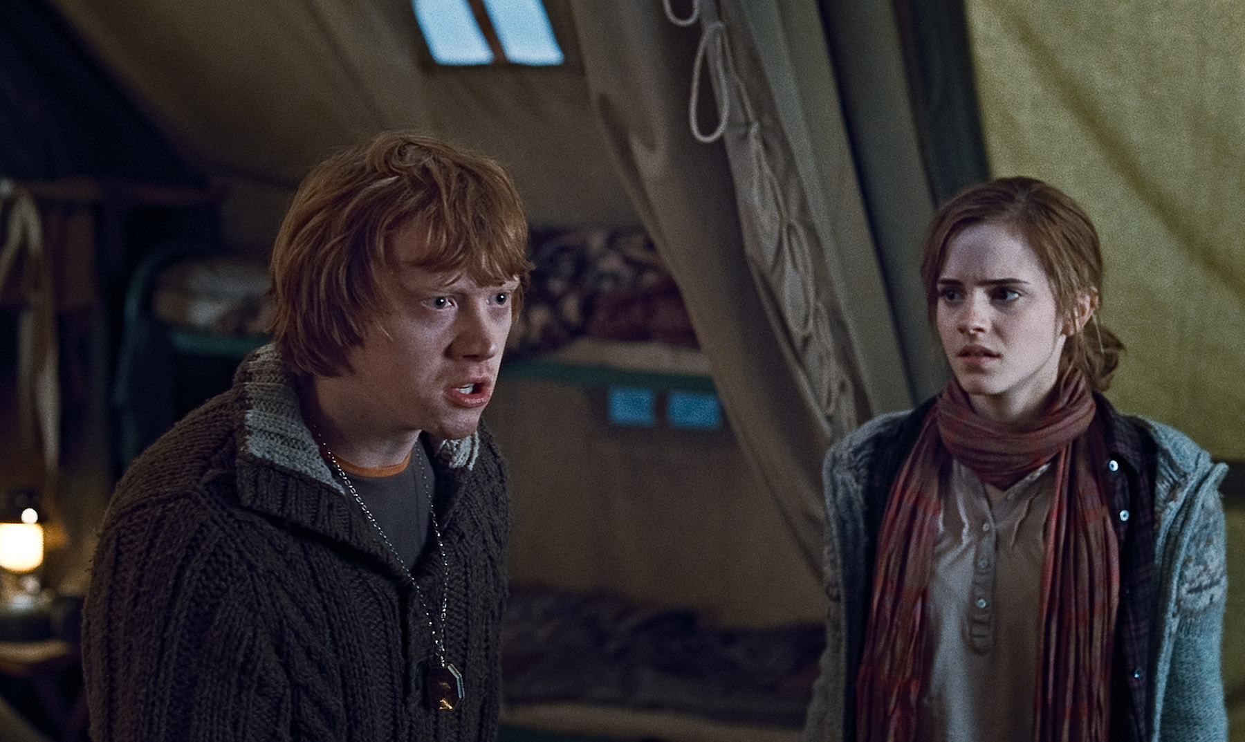 Ron and Hermione from Harry Potter Deathly Hallows Desktop ...