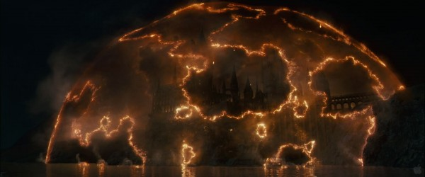 Hogwarts school of witchcraft and wizardry from Harry Potter and the Deathly Hallows movie wallpaper