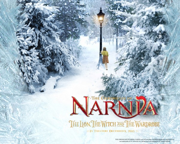 winter scene and lamp post from the Chronicles of Narnia wallpaper