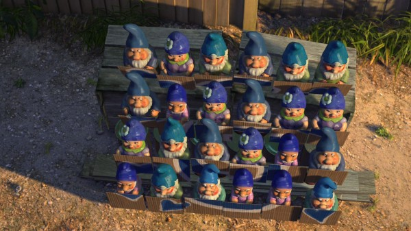 blue gnomes from Disney's Gnomeo and Juliet movie wallpaper