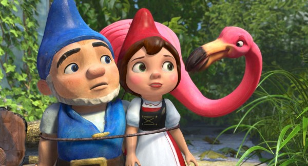 Gnomeo, Juliet and Featherstone the flamingo from Disney's movie Gnomeo and Juliet Wallpaper