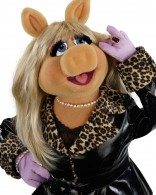 Miss Piggy from the Muppets wallpaper