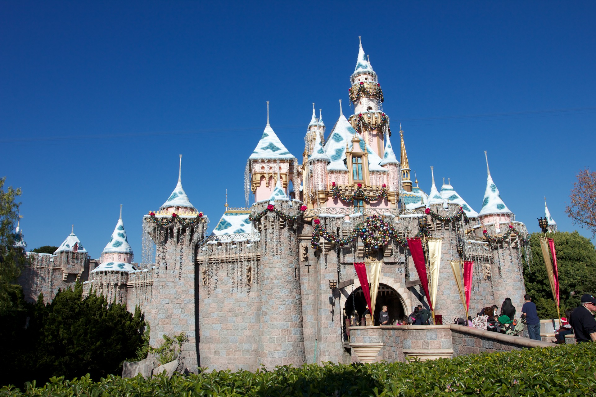 Christmas At Disneyland Sleeping Beauty Castle Desktop Wallpaper