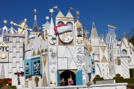 It's a Small World attraction at Disneyland decorated for Christmas wallpaper